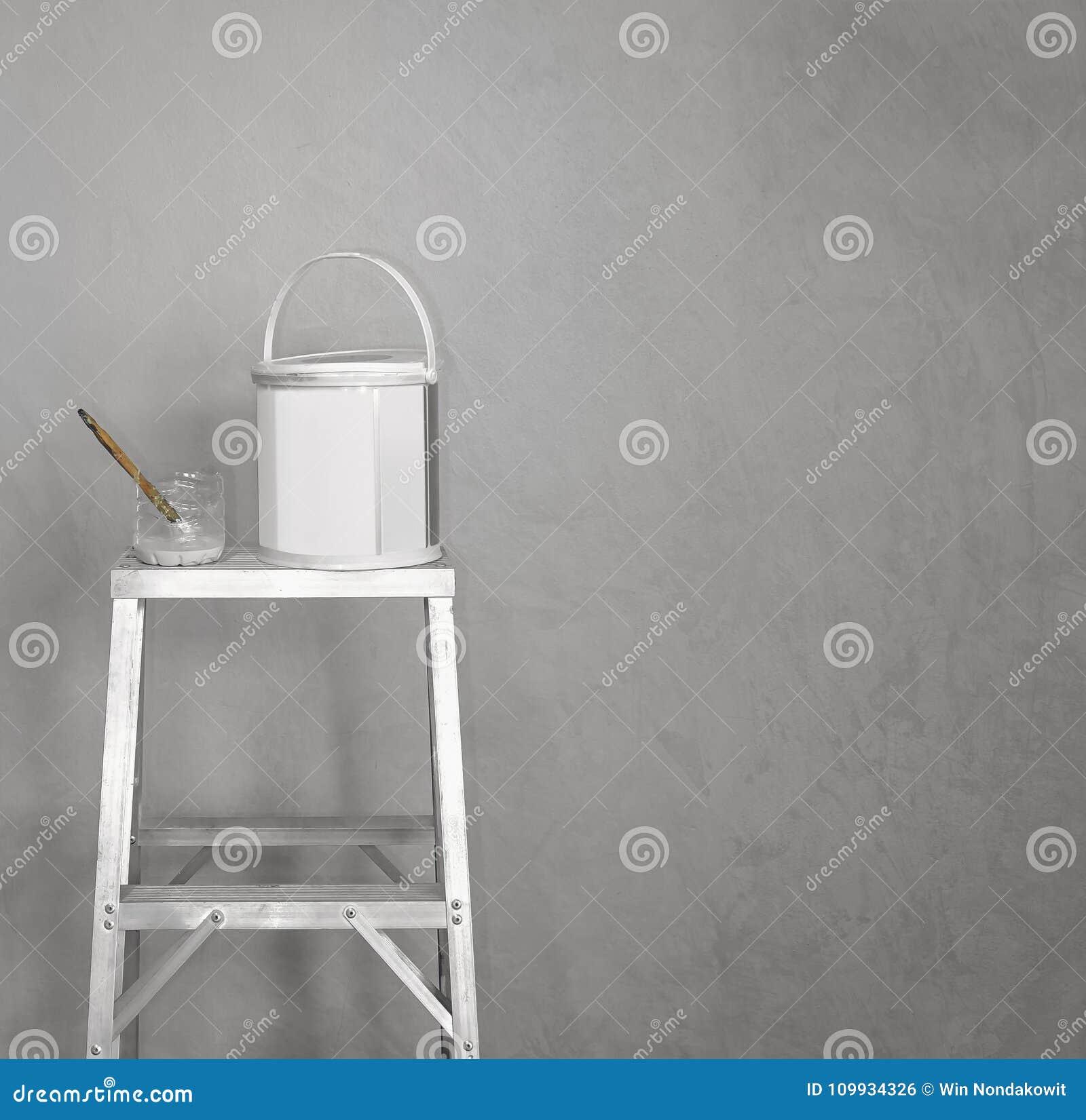 Peinture Sur Le Mur Gris Photo Stock Image Du Couleur