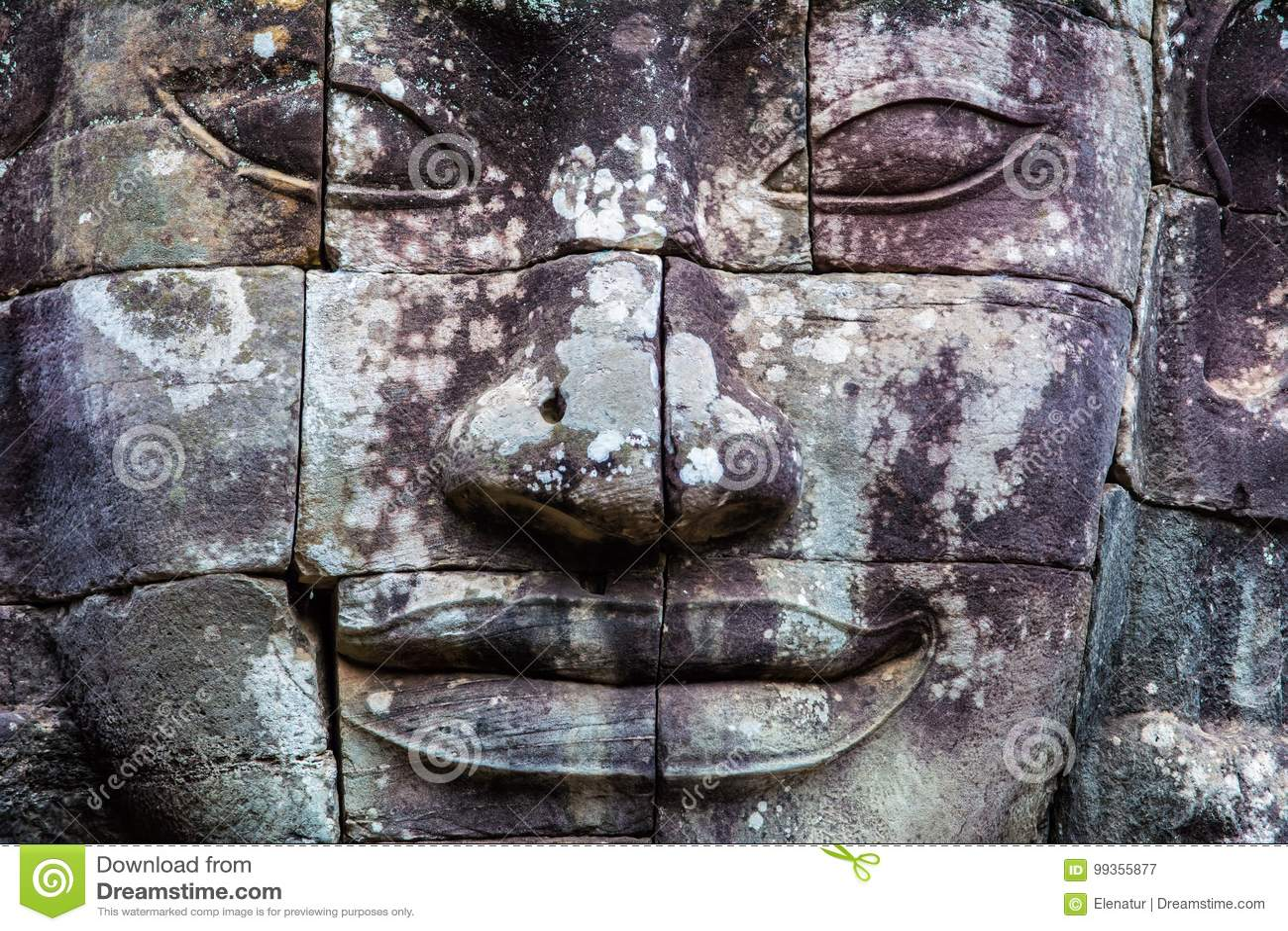 Peintures murales et temple en pierre Angkor Thom de Bayon de statue Angkor Vat