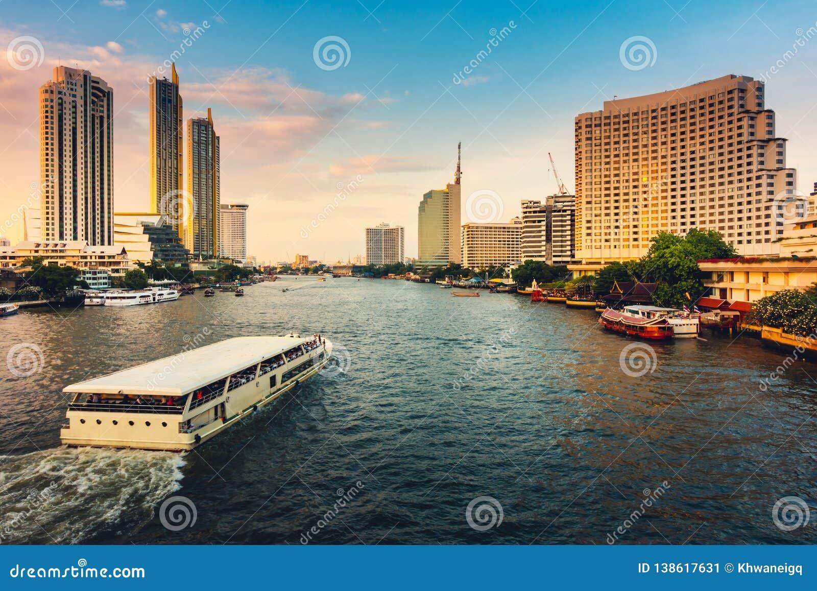 Pejzaż miejski Bangkok miasto i drapacz chmur budynki Tajlandia , panorama krajobraz biznes i centrum finansowe Tajlandia