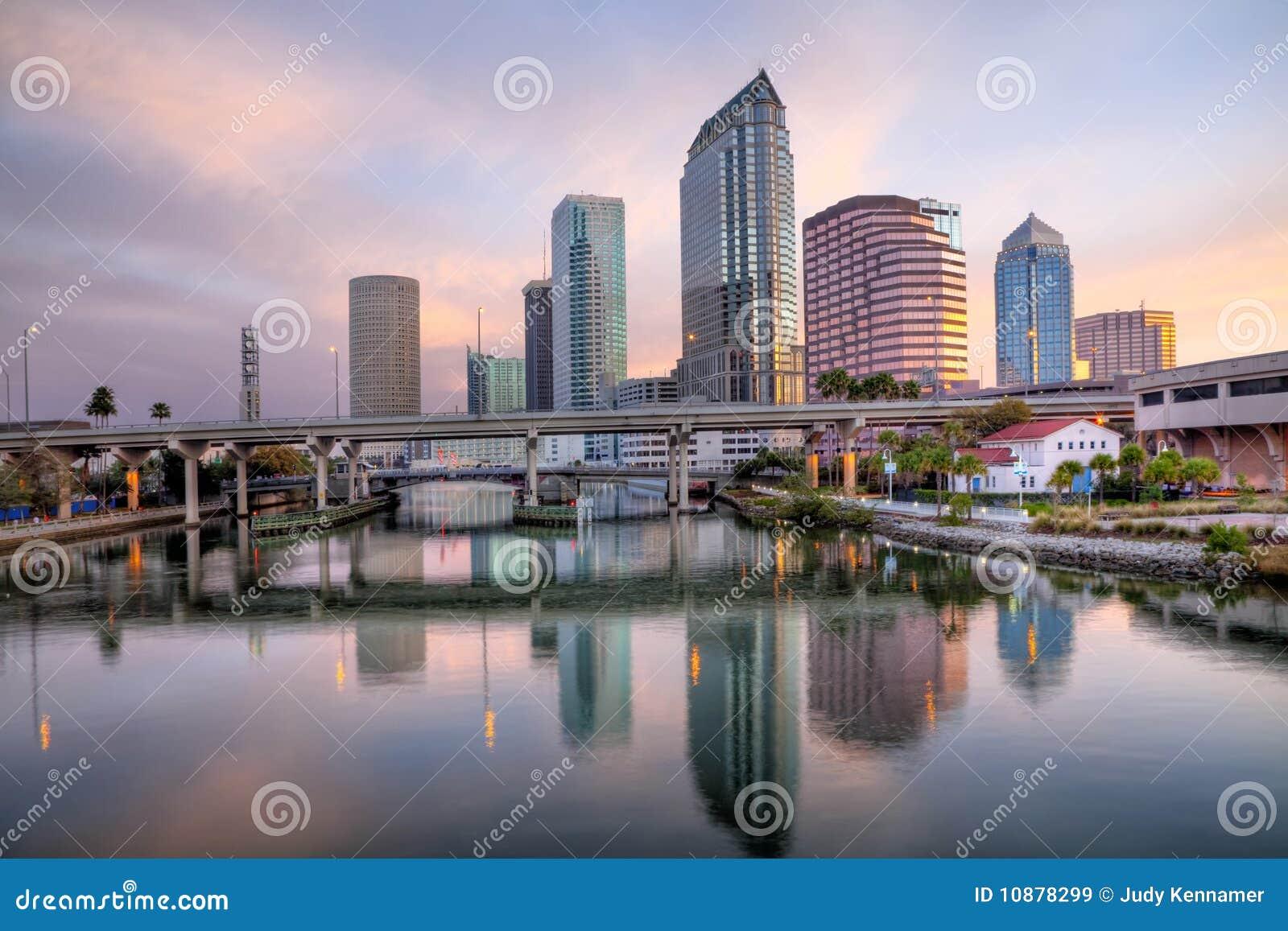 Pejzaż miejski wschód słońca Tampa