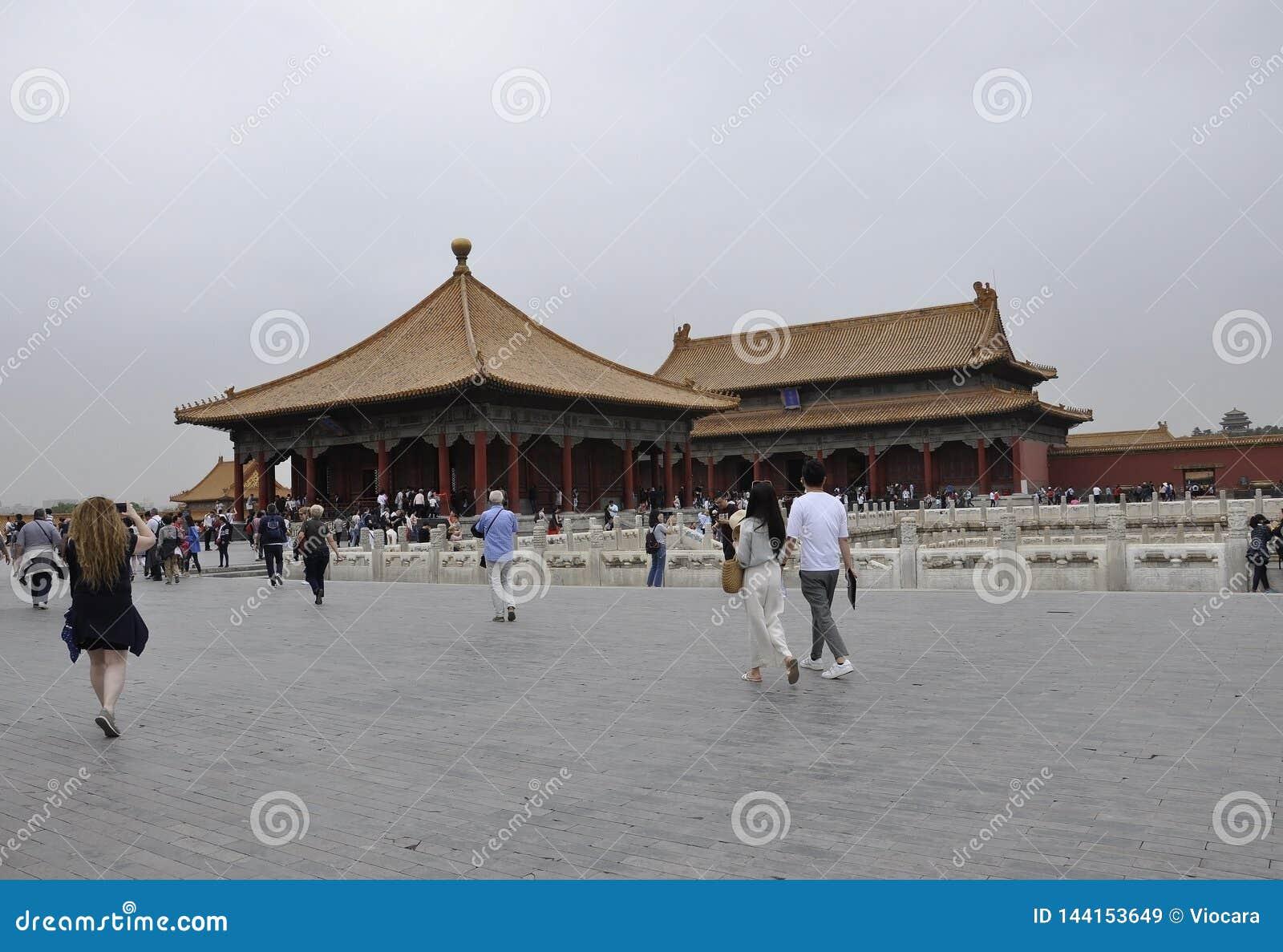 Pekin, 5th może: Turyści odwiedza Cesarskiego pałac w Niedozwolonym mieście od Pekin
