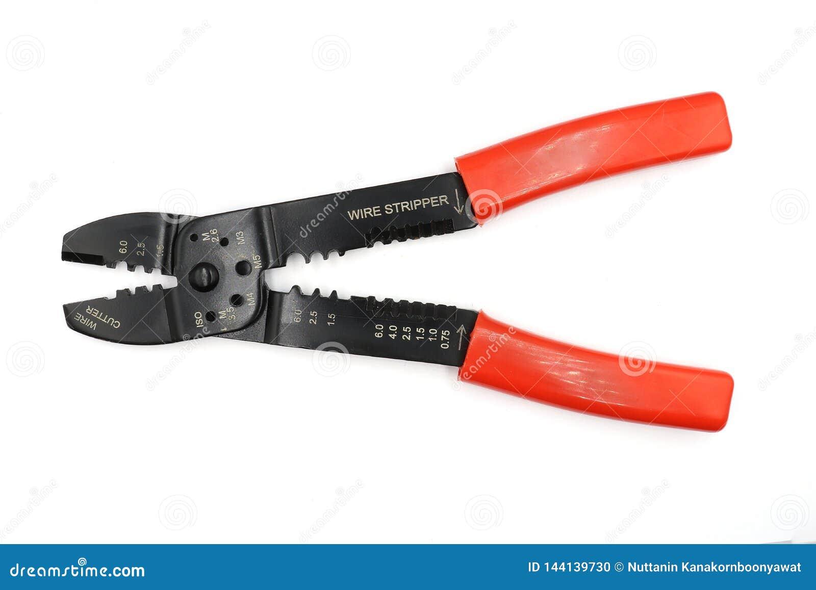 Pelacables o cortador de alambre aislado en el fondo blanco