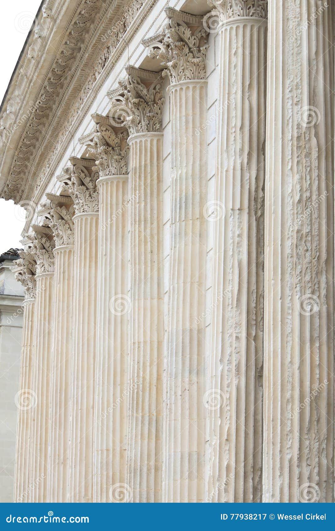 Pelare av Roman Temple Maison Carrée, Nimes, Frankrike