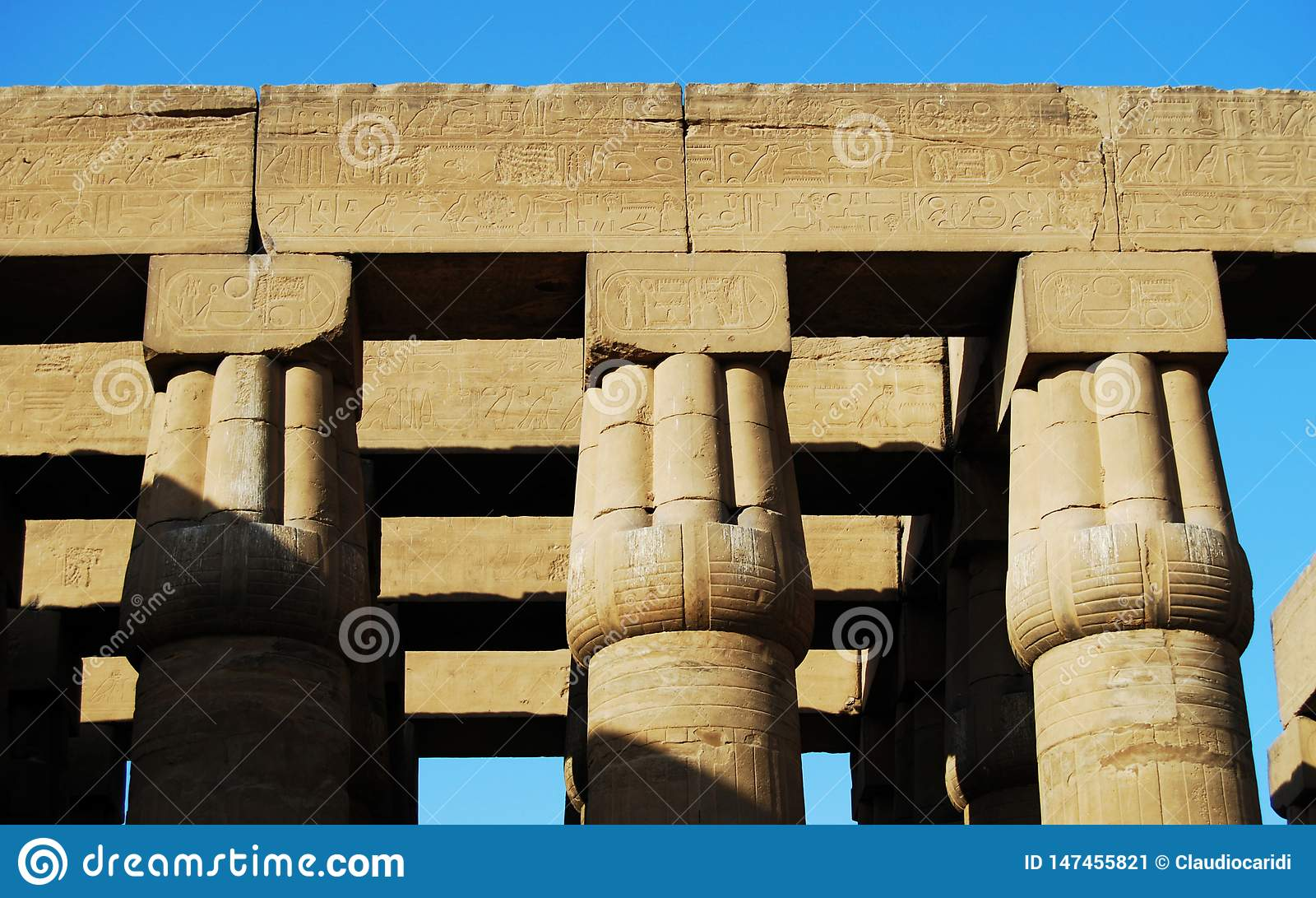 Pelarna p? den Luxor templet, Egypten