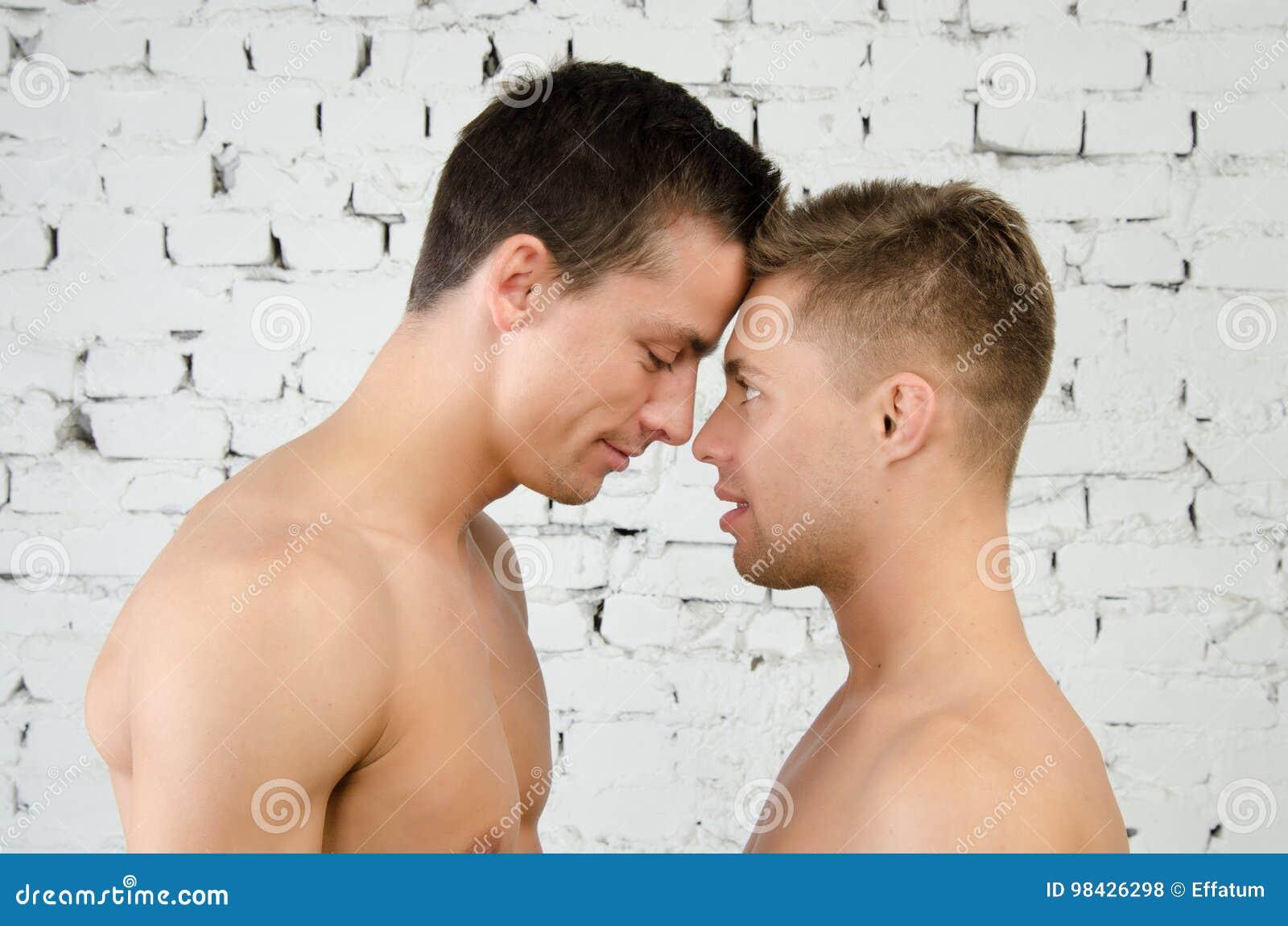 Peleas y besos Amor y relaciones Dos individuos atractivos