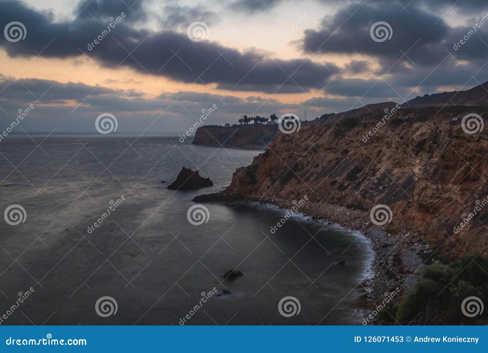 Pelikanliten vik och punkt Vicente efter solnedgång