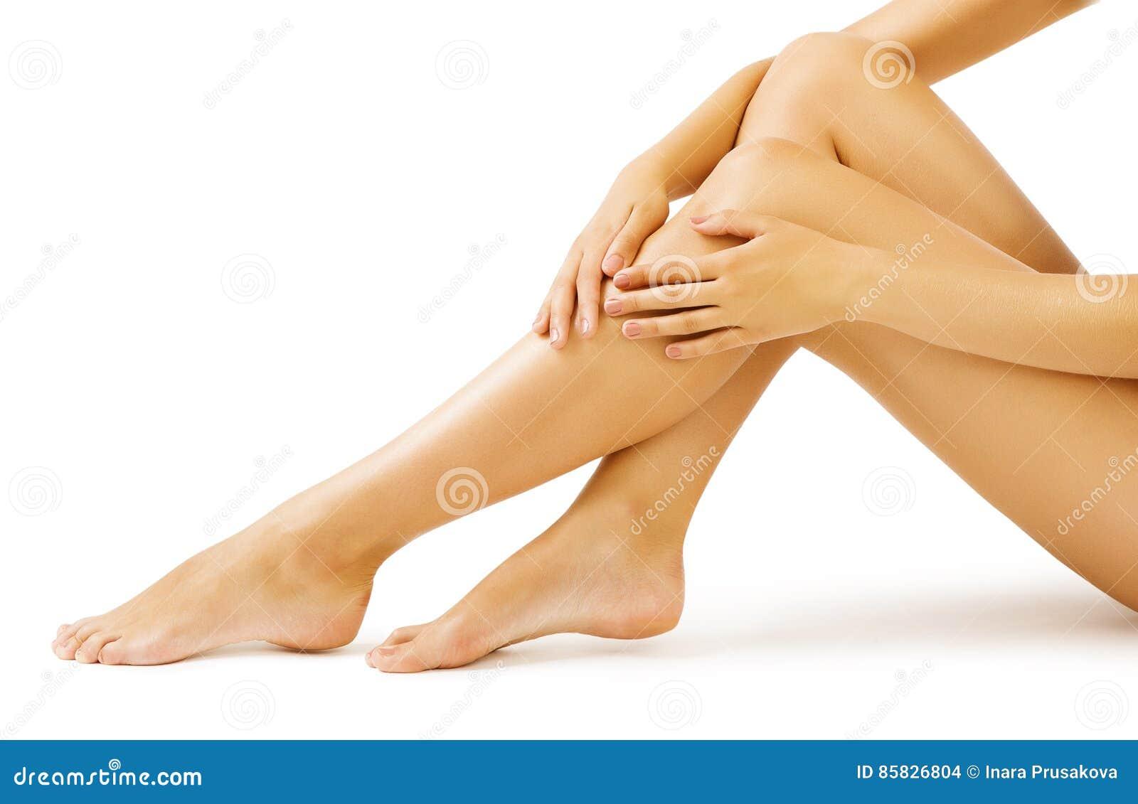 Pelle della gamba della donna, massaggio del corpo e cura di pelle delle gambe, bianco isolati