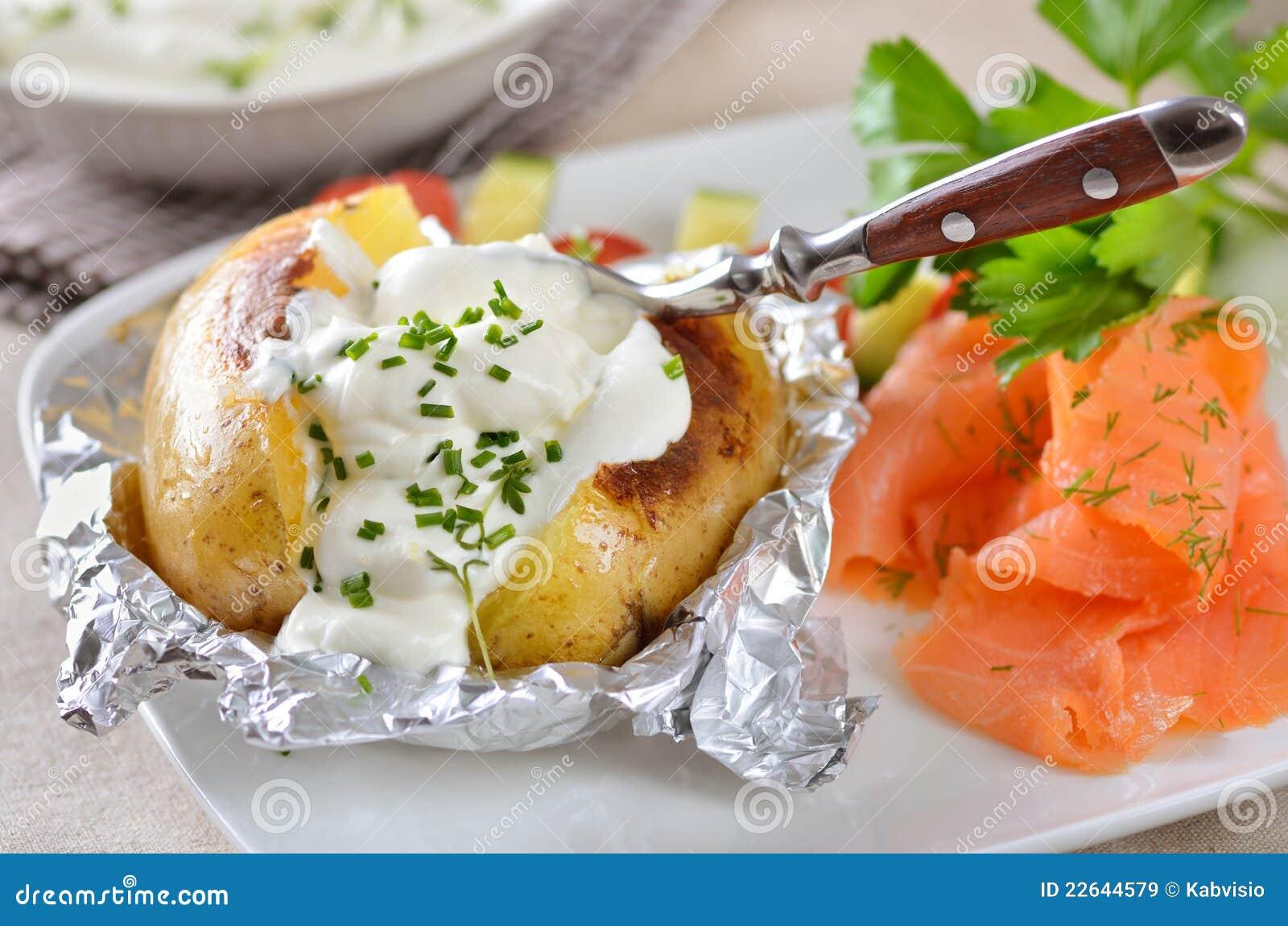 Pellkartoffel lizenzfreie stockbilder bild 22644579 - Recette pomme de terre en robe de chambre ...