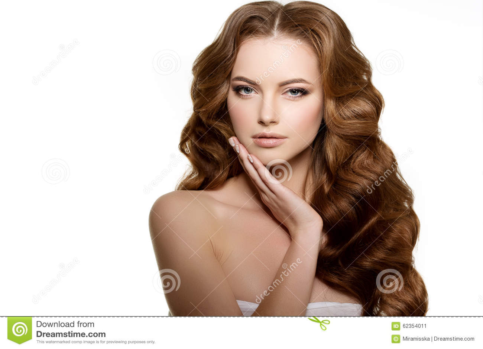 Pelo Largo Peinado De Los Rizos De Las Ondas Salon De Pelo Updo Modo