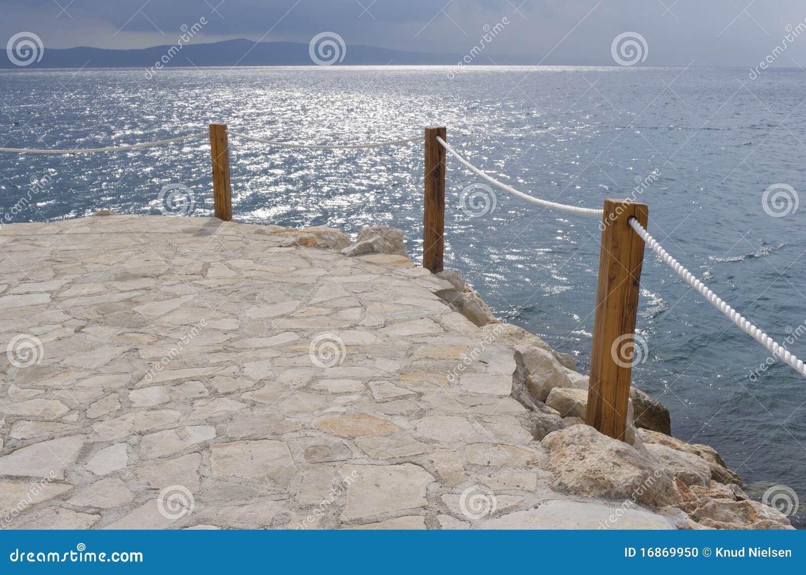 Pelo mar de adriático