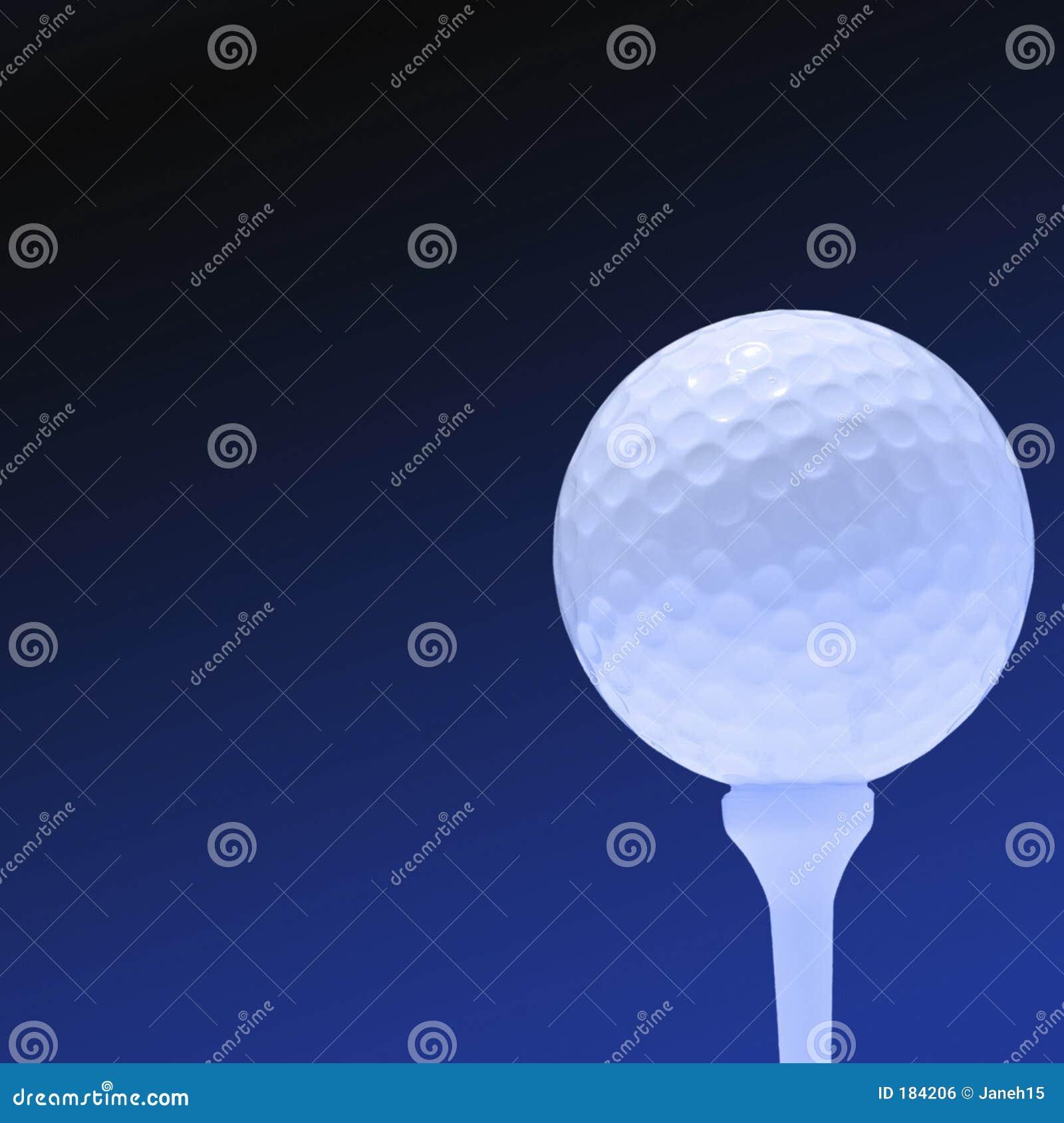 Pelota de golf en azul