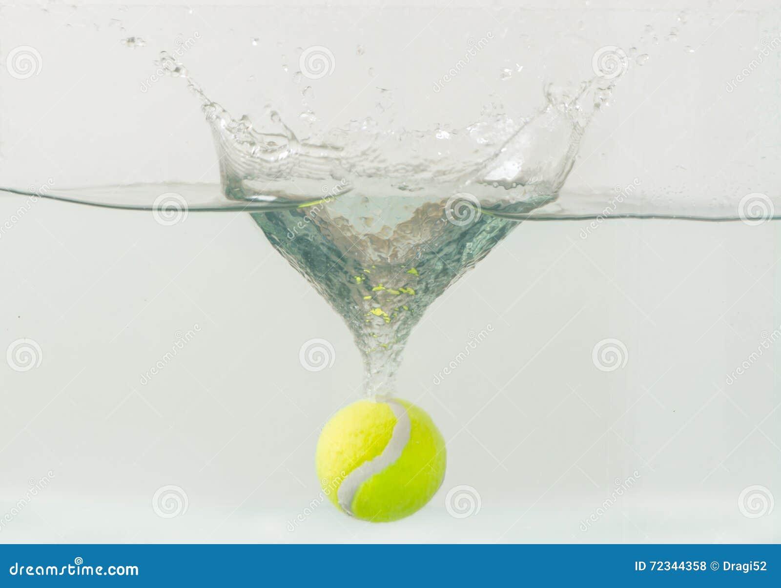 Tenis pelota stock de ilustracion ilustracion libre de stock de - Pelota De Tenis Que Lanza En El Acuario