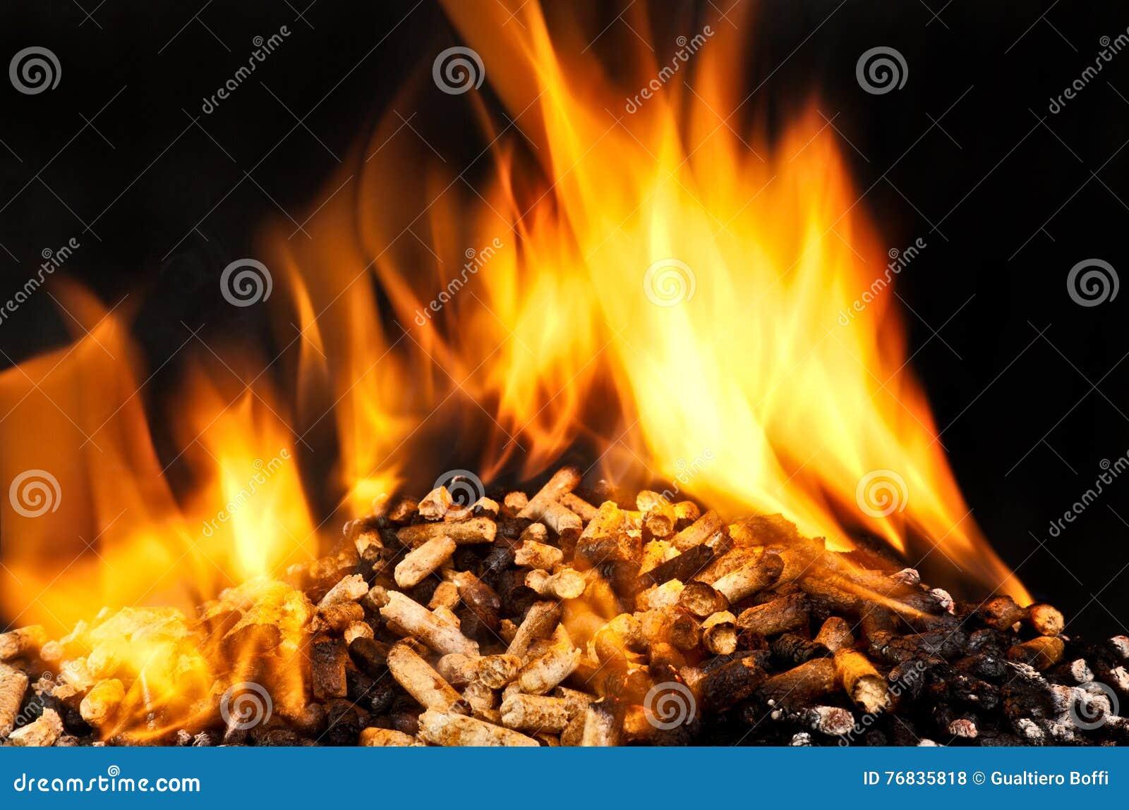 Pelotilla de madera ardiente