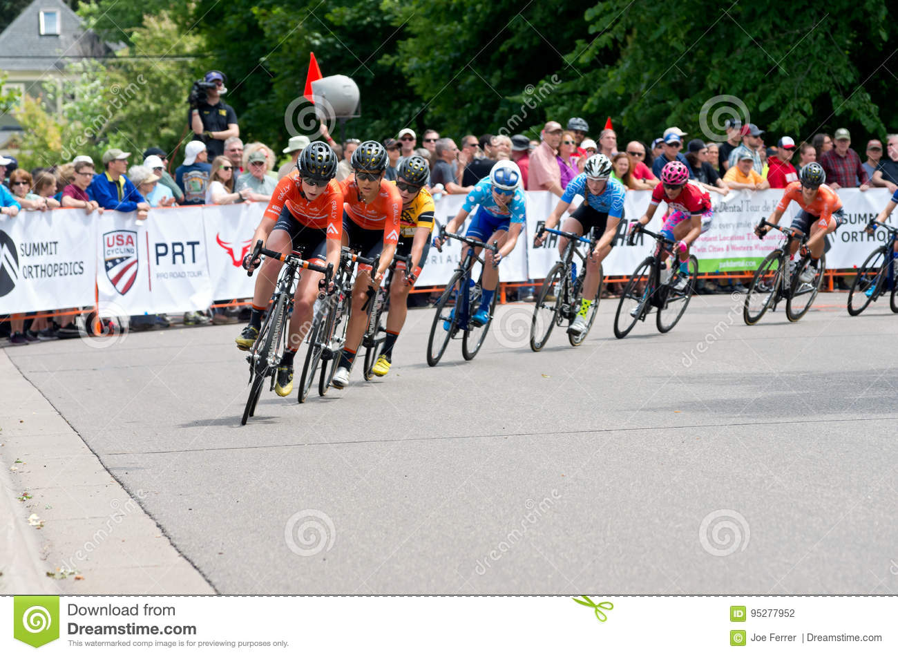 Peloton Chases Leaders at Stillwater