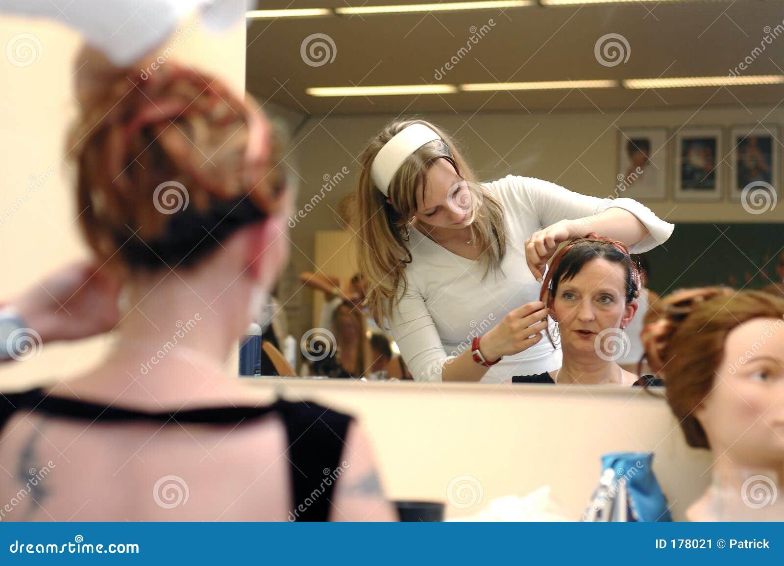 Peluquero, pelo vistiendo 3.