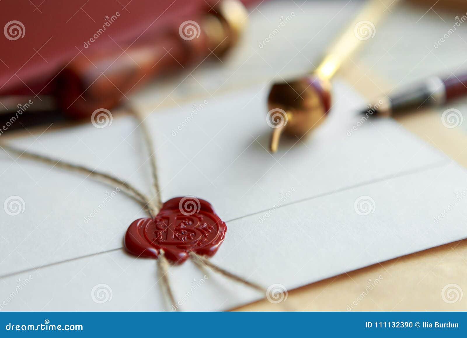 A pena e o selo públicos do ` s do notário no testamento e no último vão faz4e-lo Ferramentas do notário