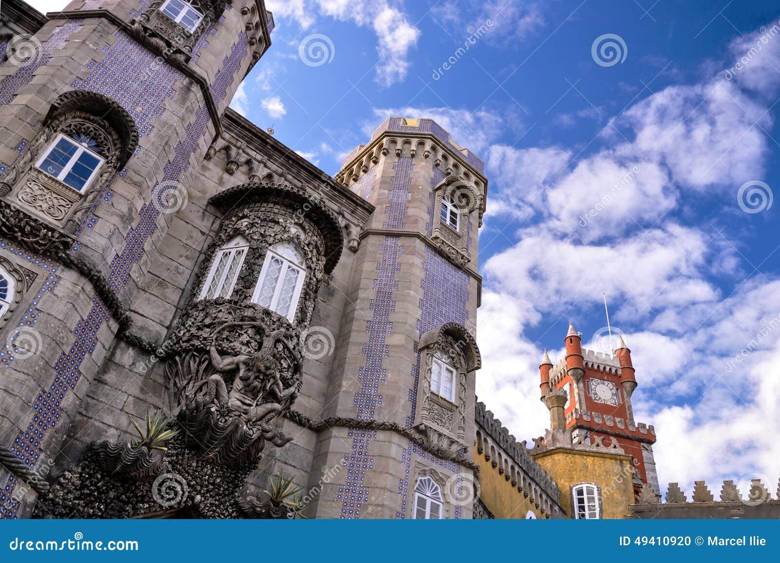 Download Pena Staatsangehörig-Palast Stockfoto - Bild von wald, blau: 49410920