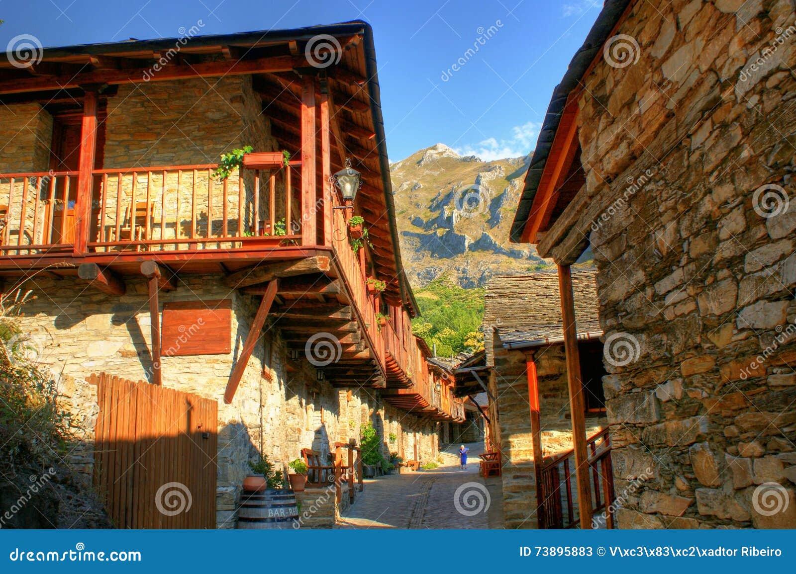 Penalba de Santiago, a typical village in the valley of silence