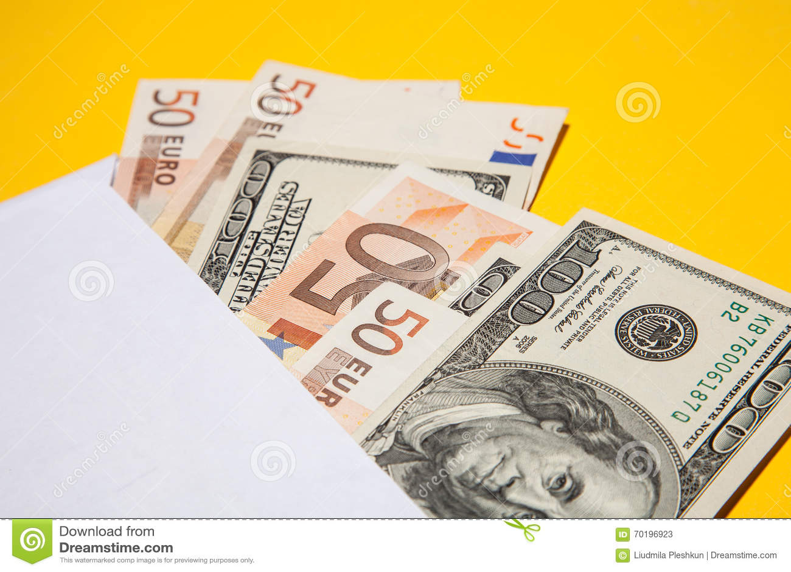 Pengar i invelopen