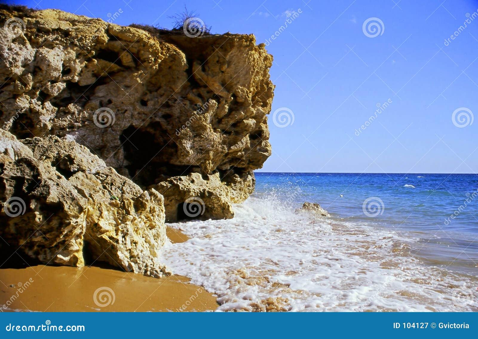 Penhasco da praia