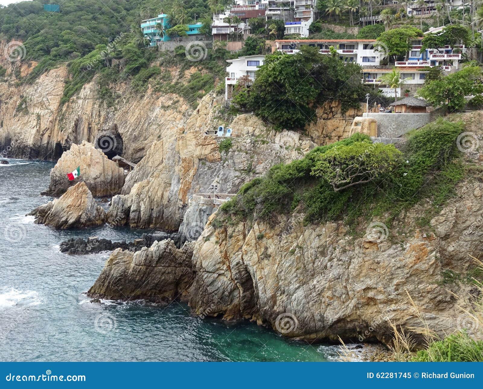 Penhascos e casas de Acapulco