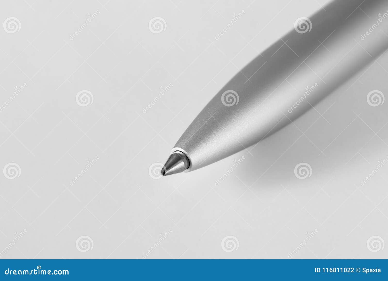 Penna di Ballpoint su bianco