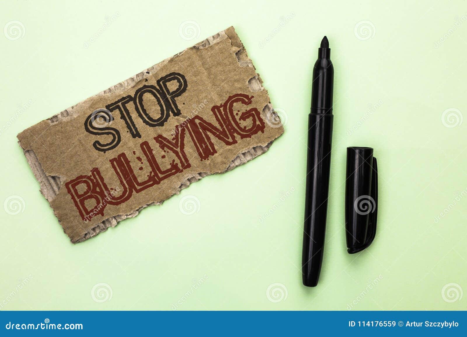 Pennalism för stopp för ordhandstiltext Affärsidéen för fortsätter inte att skrämma för anfall för missbrukmobbningagression som