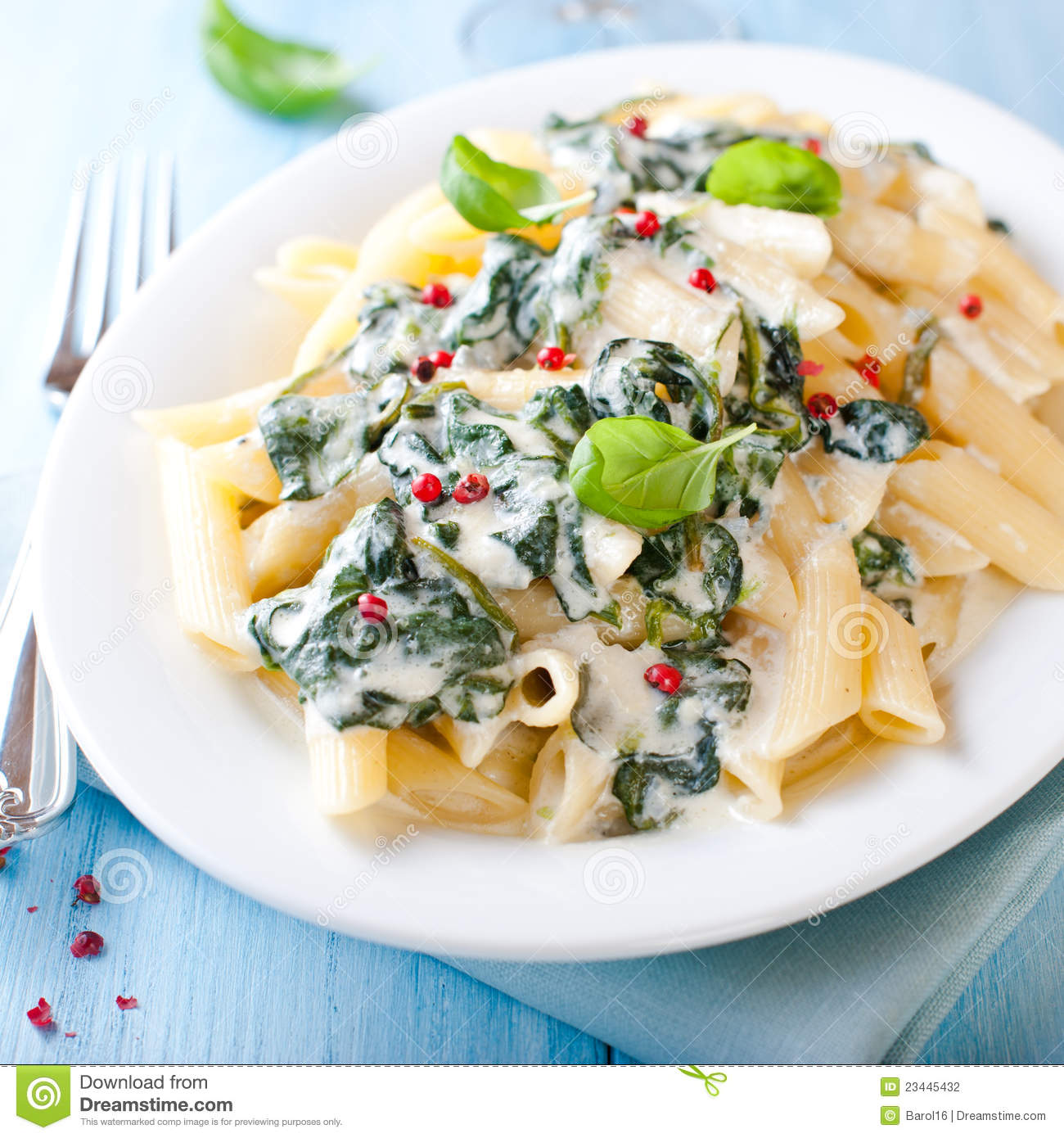 Penne with Blue Cheese, Tomatoes, and Spinach