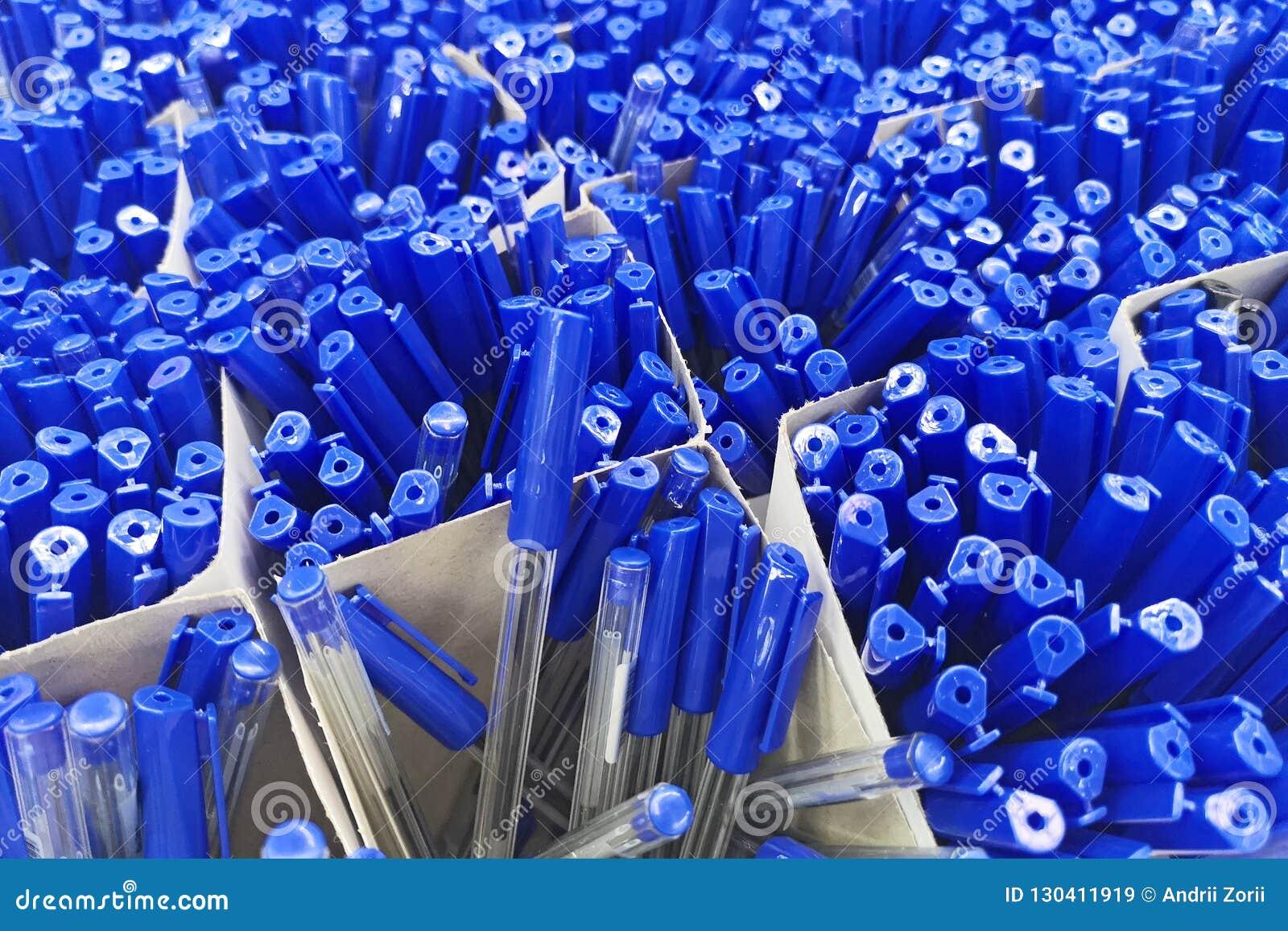 Pennen in de winkel, de Bureaulevering en de kantoorbehoeften Pennen die kantoorbehoeften verkopen Kunst, workshop, ambacht, crea