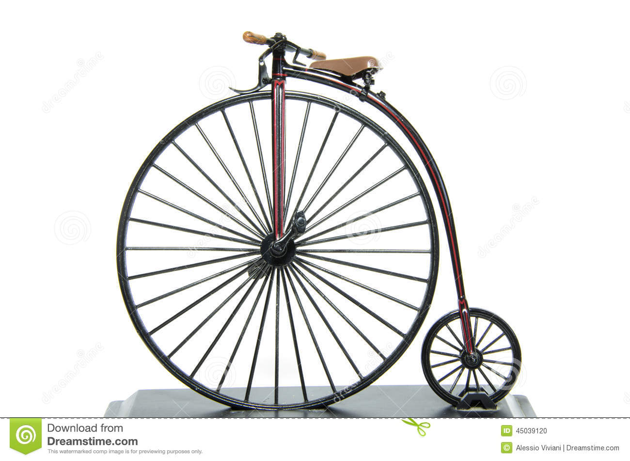 Museum bicycles from 1875 to 1944 Classic Cycle Old fashioned big wheel tricycle