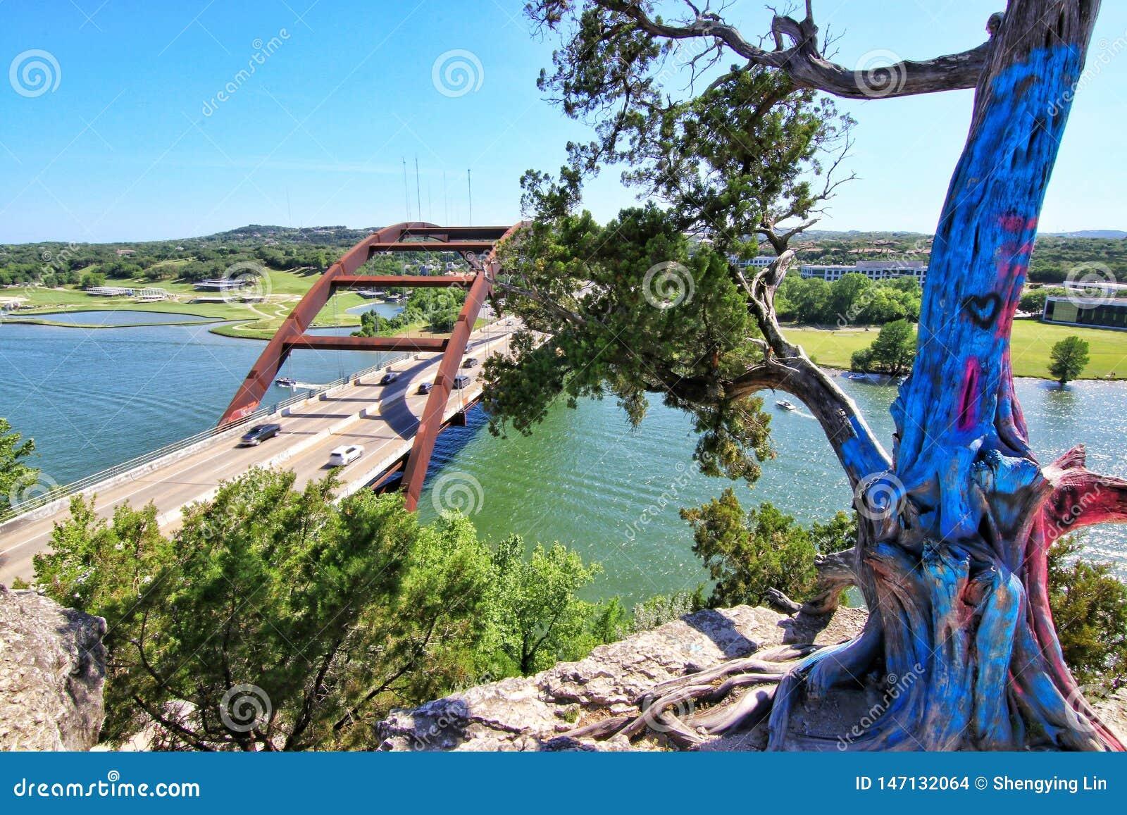 Pennybacker桥梁或360桥梁奥斯汀得克萨斯地标