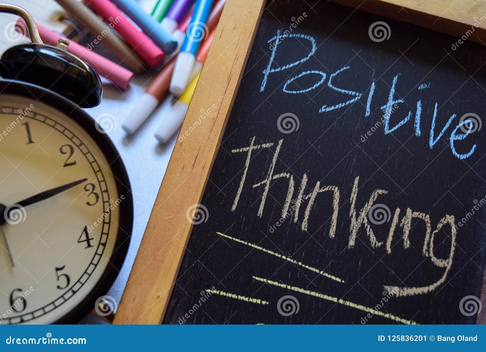 Pensamiento Positivo En Manuscrito Colorido De La Frase En