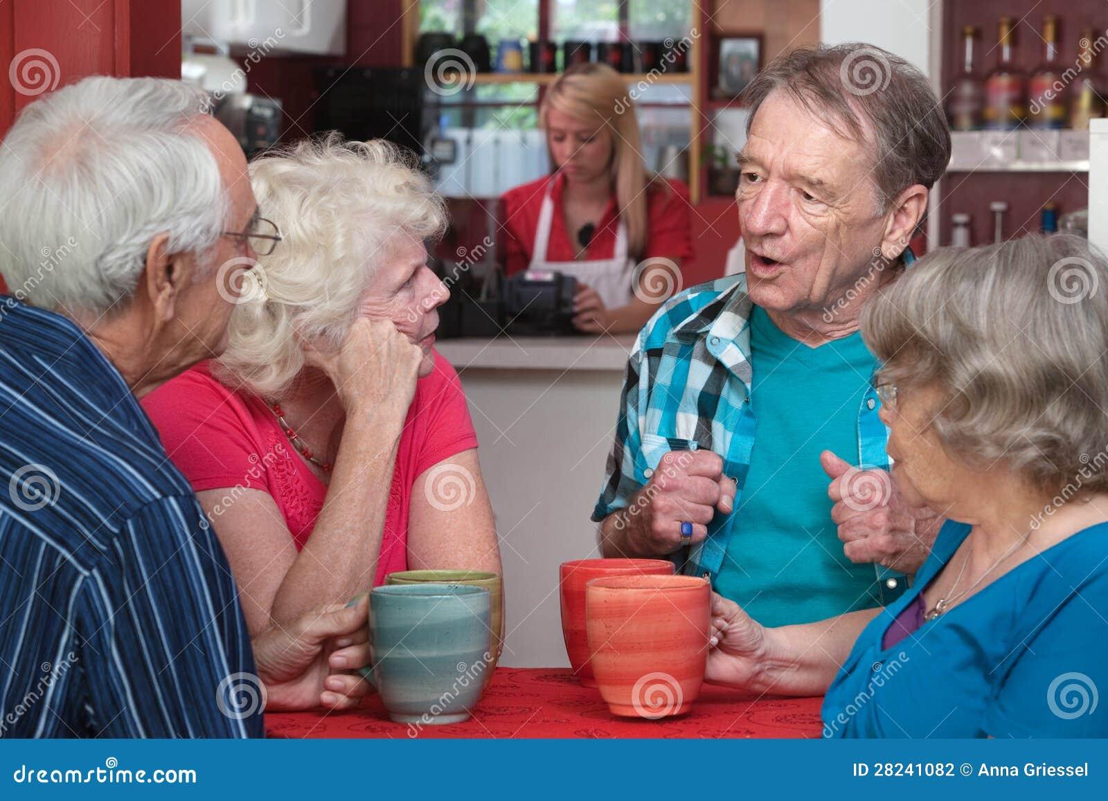 Pensionärer i konversation
