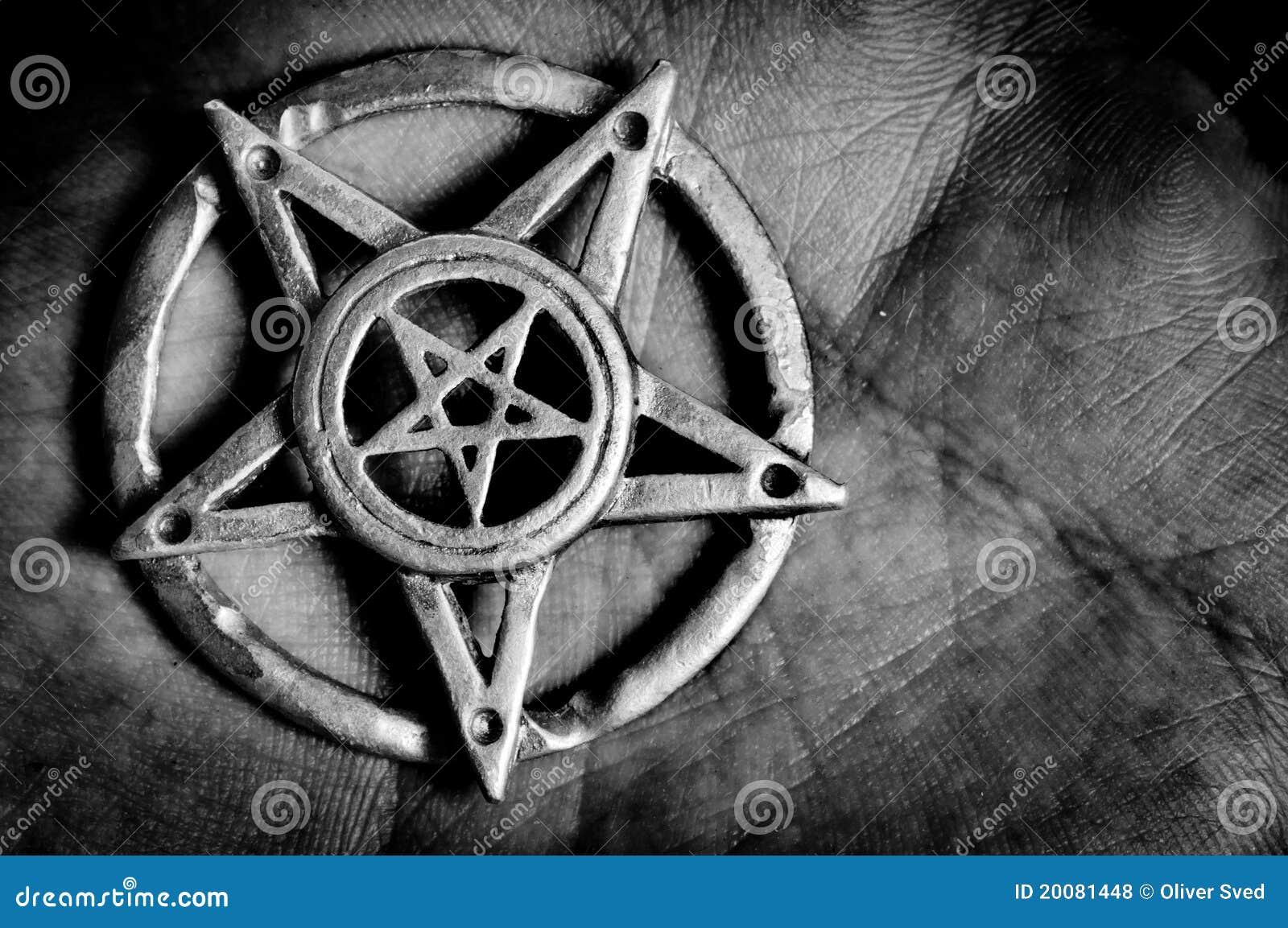 Pentagram a disposición