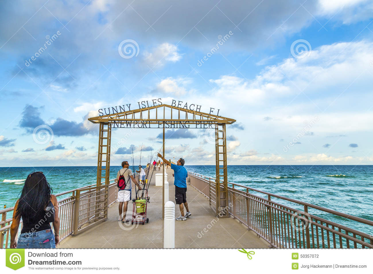 People enjoy the fishing pier in sunny isles beach for Miami fishing piers