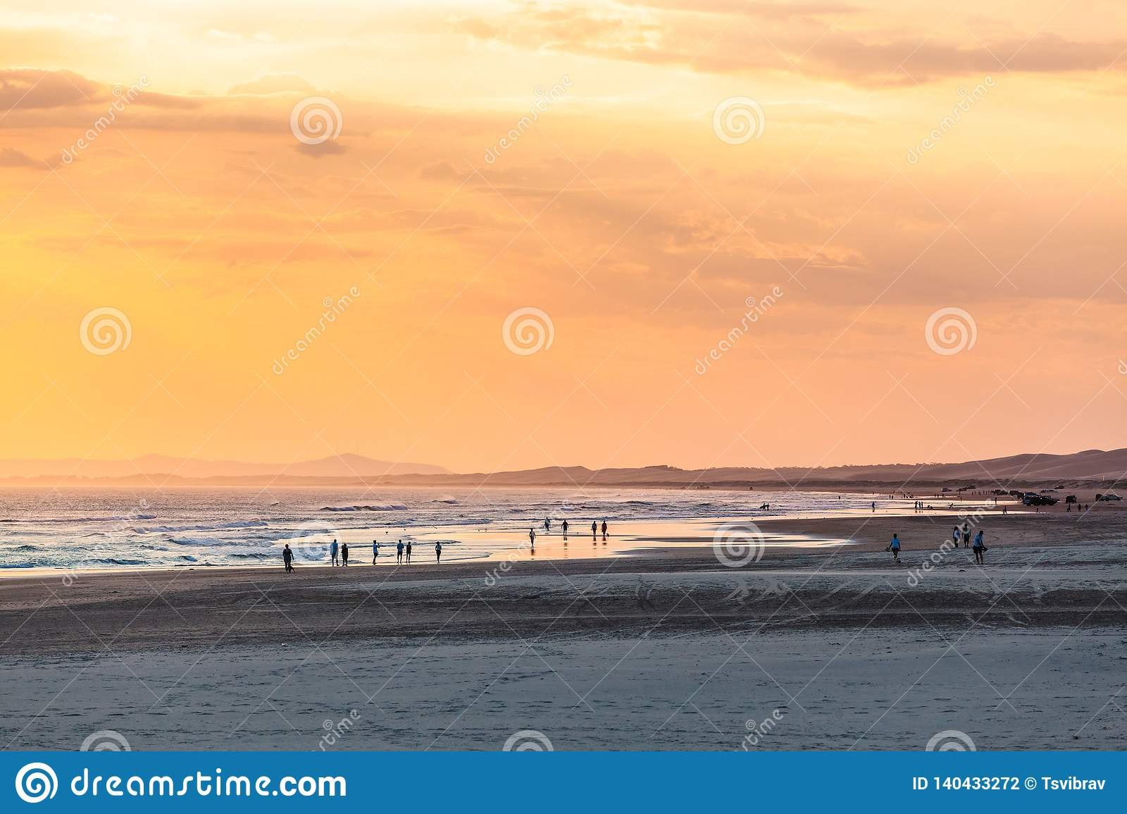 People Enjoying The Good Weather On Ocean Beach Stock Photo Image Of Australia Beach 140433272 Weather forecast for ocean beach | euronews, previsions for ocean beach, california, united states (temperature, wind, rainfall…). dreamstime com