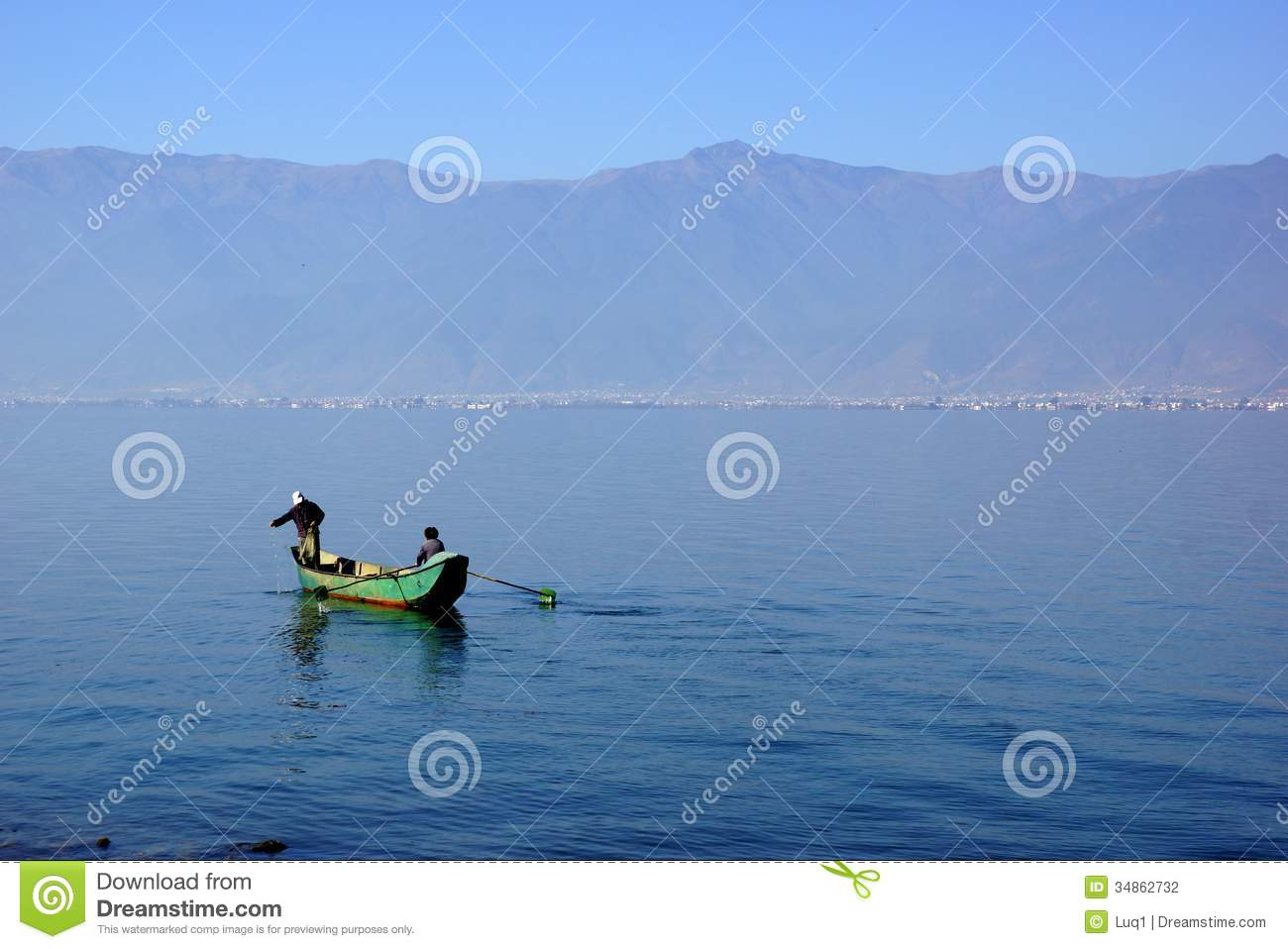 People fishing on erhail lake dali yunnan province for Videos of people fishing