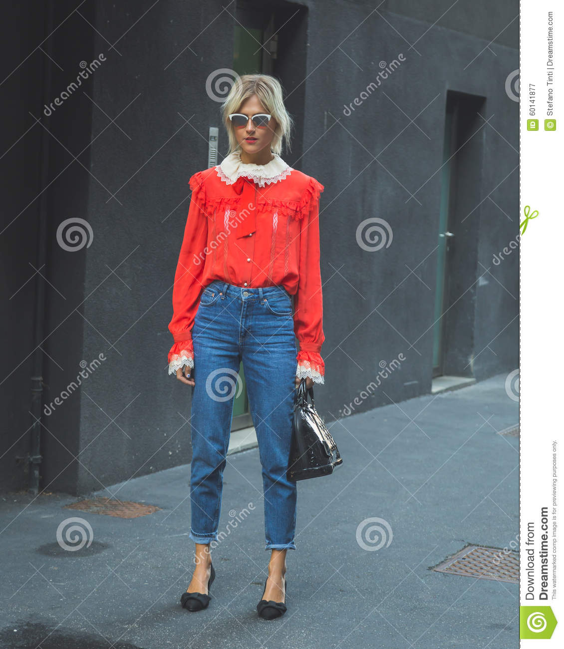 new concept f2886 07abc People Gather Outside Iceberg Fashion Show Building In Milan ...