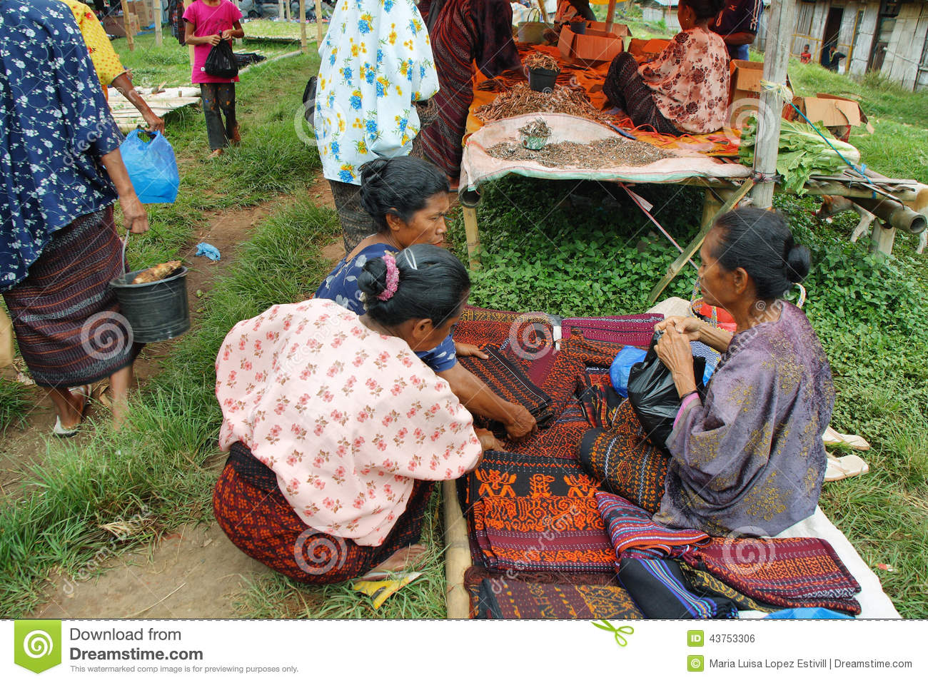 People Of Minoritary Ethnic Group In A Market Of Indonesia Editorial