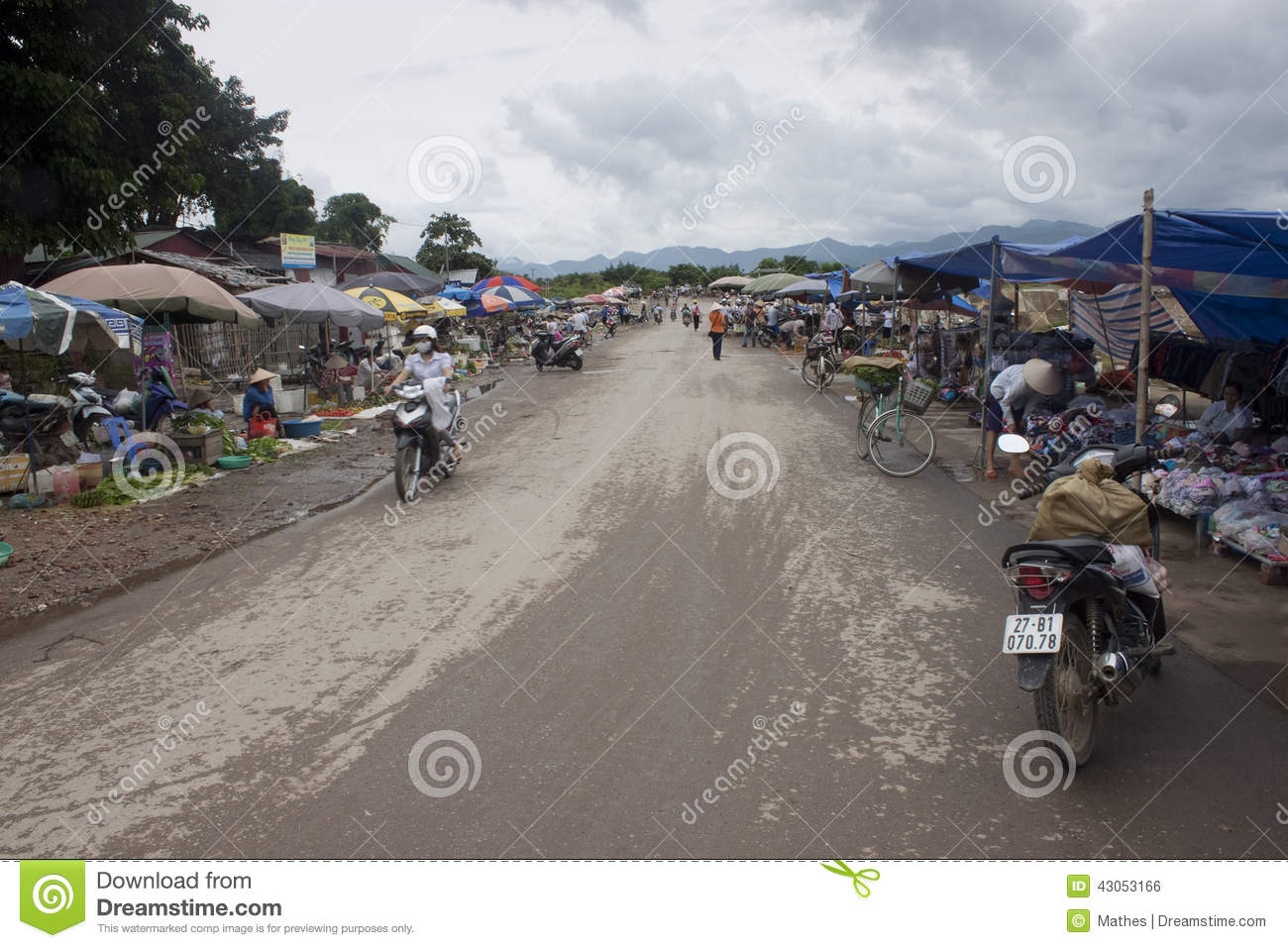 supermarkets for poor people in vietnam • lack of supermarkets a 2009 study by the us department of agriculture found that 235 million people lack access to a supermarket within a mile of their home.