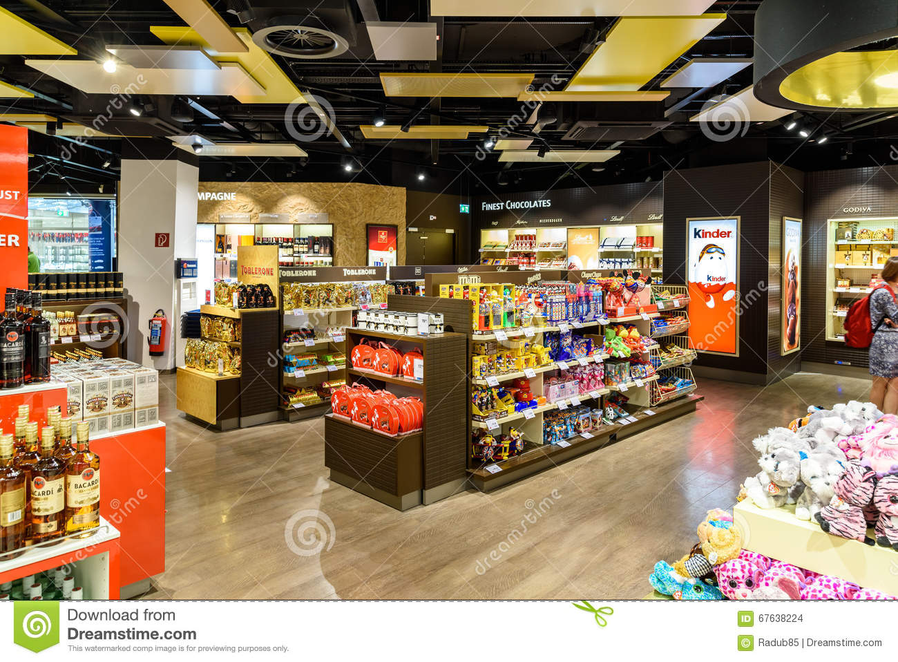 people shopping in duty free store of vienna international airport editorial stock image image. Black Bedroom Furniture Sets. Home Design Ideas