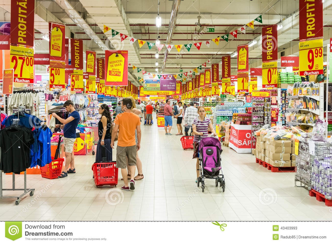 Homedepot 11 People Shopping In Supermarket Store Aisle Editorial Stock