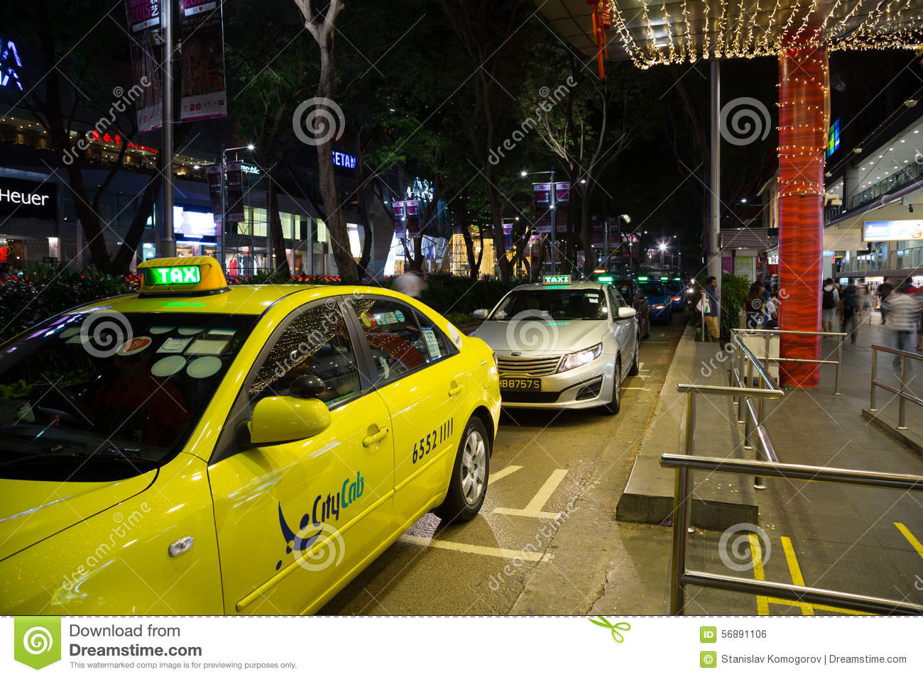 305e3c16e2 People At The Taxi Stand At Orchard Road Editorial Photo - Image of ...