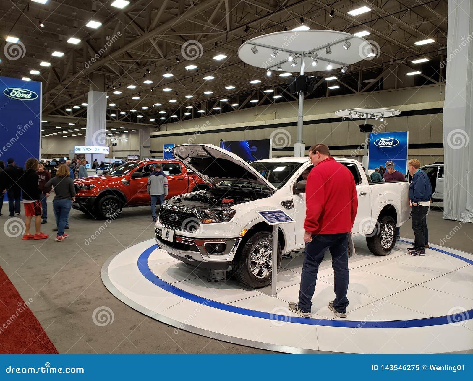 Dallas Auto Show >> People Visit Dfw Auto Show Dallas Tx Usa 2019 Editorial