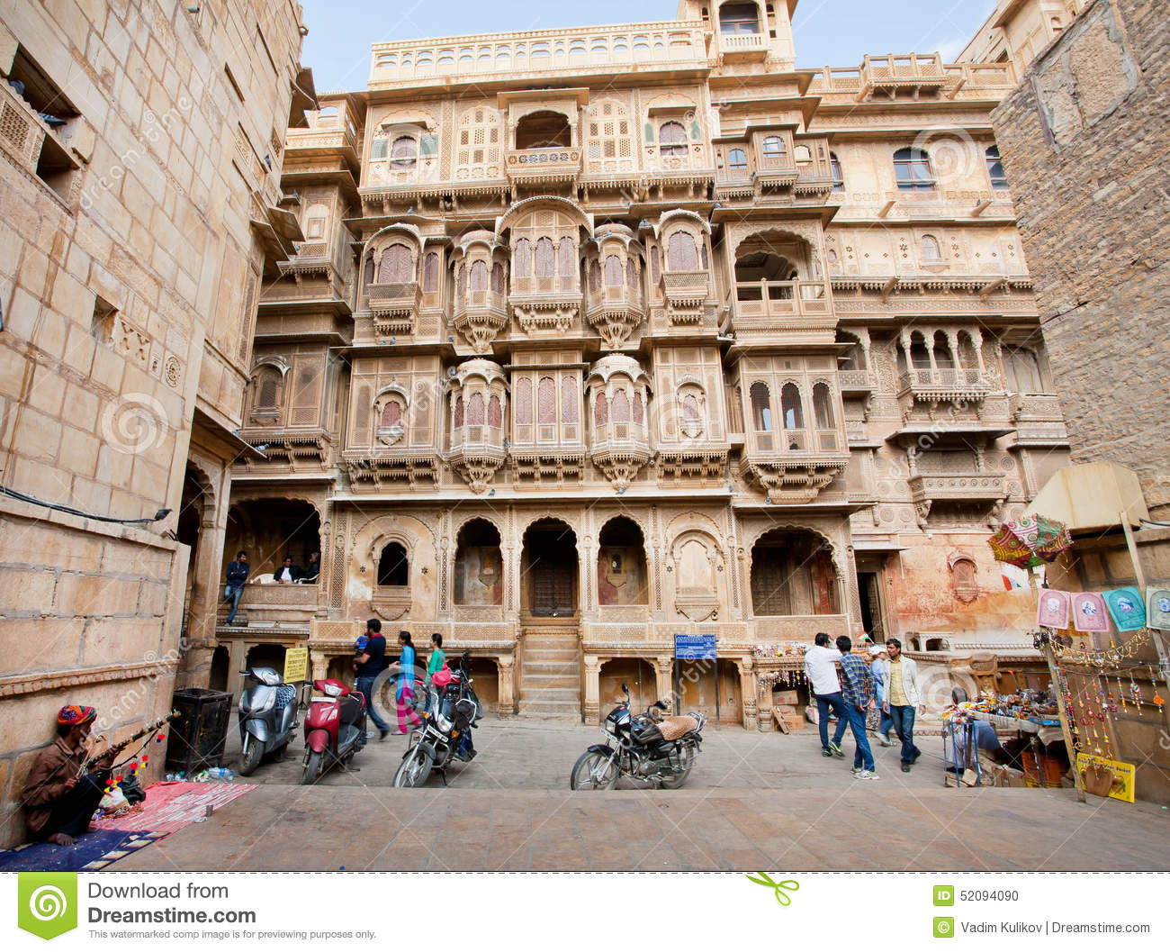 People visit haveli in old architectural style of for Balcony ki photo