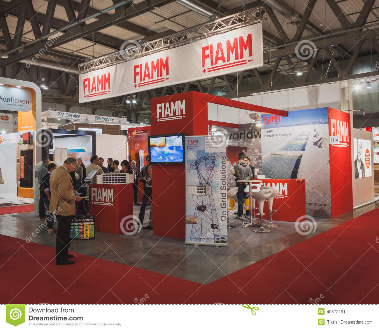 Best Stands Expo Milan : People visiting fiamm stand at solarexpo in milan