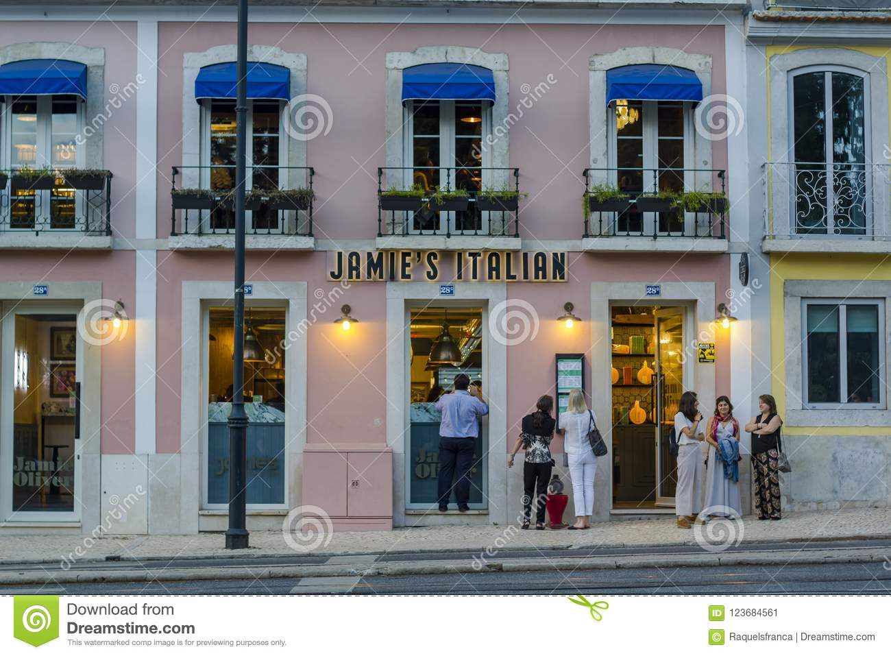 People Waiting Outside Jamie Oliver Italian Restaurant In Lisbon Editorial Photo Image Of Facade Graphic 123684561