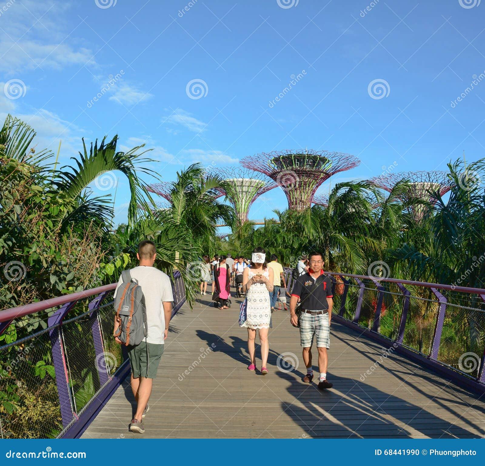 101 adjacent bay central gardens