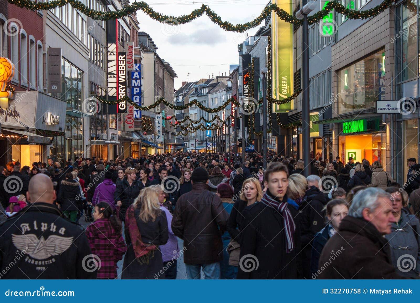 Original wählen größte Auswahl Schnäppchen für Mode People Walk On A Street In Aachen Editorial Stock Photo ...