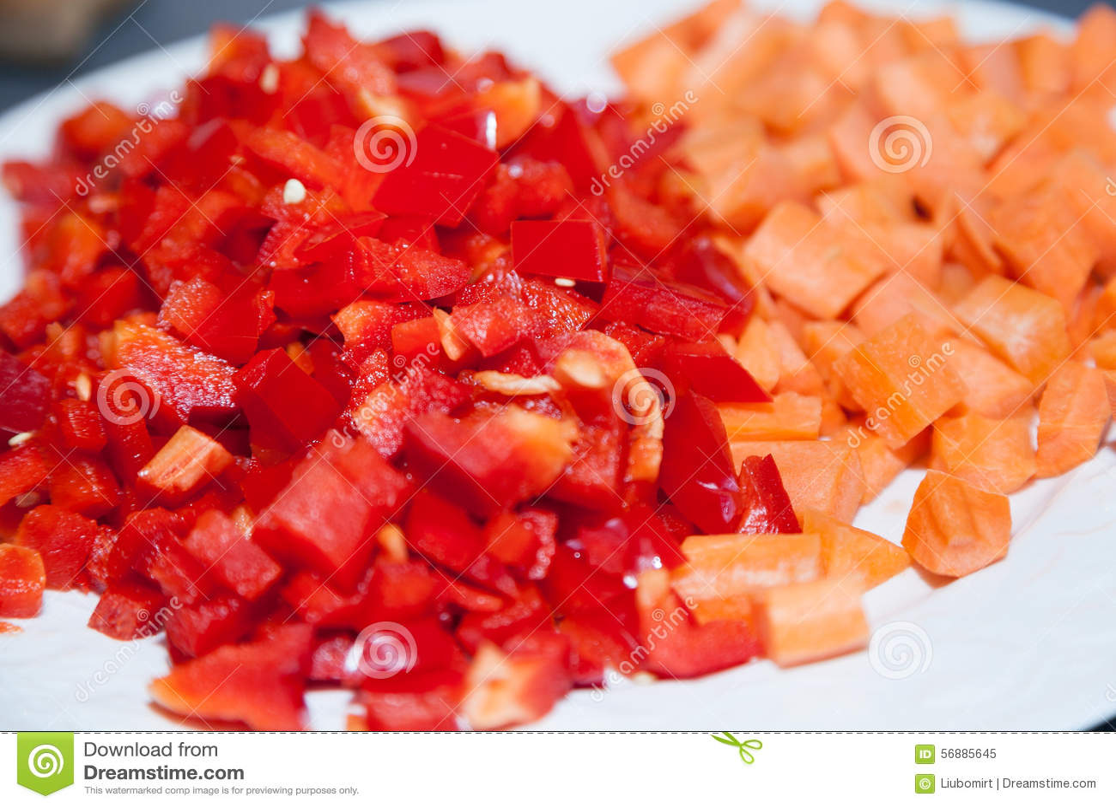 Peperone dolce rosso tagliato
